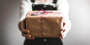 Cadeau de Noël emballé